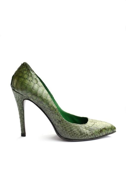 Snake pump green